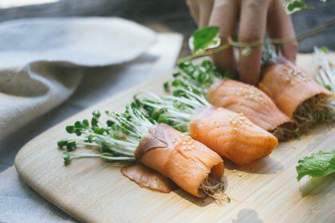 鮭魚芽菜捲