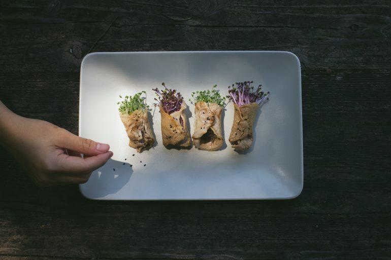 芽菜燒肉捲